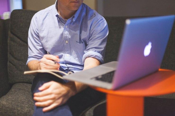 Zarobki programistów - ile zarabia programista w 2020 roku?